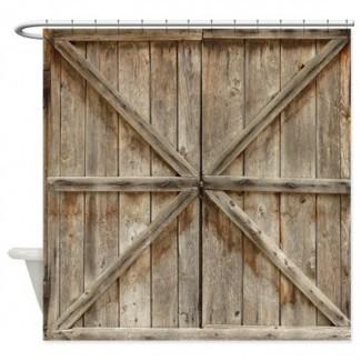 Cortinas de ducha de puertas de madera viejas o puertas de granero
