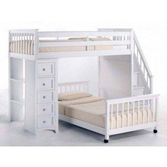 Enorme cama alta de tamaño completo con escaleras naturales Por