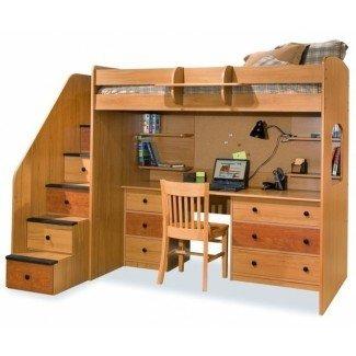 Enorme cama alta tipo loft con escaleras naturales Por