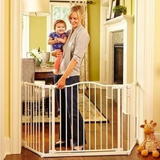 """North States 72 """"Wide Deluxe Décor Baby Gate: brinda seguridad en espacios extra anchos con funcionalidad adicional con una sola mano. Montaje de hardware. Se adapta a 38.3"""" -72 """"de ancho (30"""" de alto, blanco suave)"""