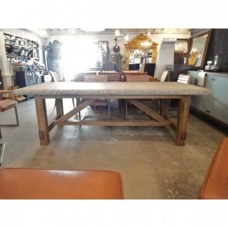 Mesa de comedor de granito con base de madera cruda | Chairish