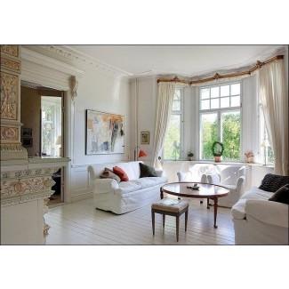 20 hermosos diseños de sala de estar con ventanales