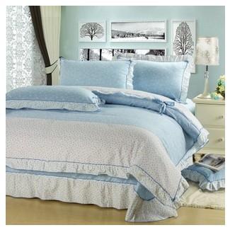 Light Blue Comforter Juegos