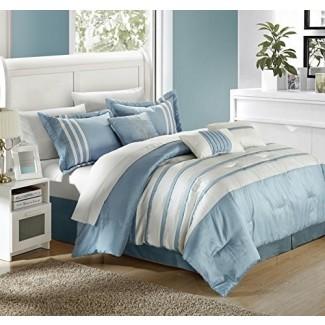 Edredones y juegos de cama azul claro y blanco