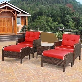 Juego de muebles de mimbre Tangkula 5 piezas de mimbre de mimbre PE Conjunto de sofás acolchados para exteriores y otomano Conjunto de conversación de balcón de césped Conjunto de chat