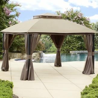 Garden Oasis 10 'x 12' Gazebo de privacidad con mosquitero