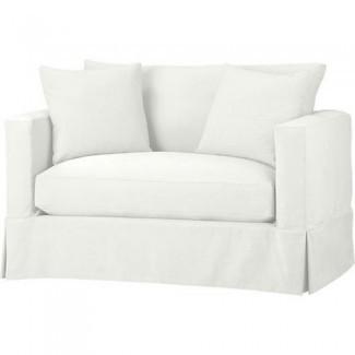 y un sofá cama media