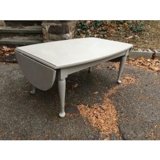 mesa de centro de pizarra gris pintada con caída de hojas ...