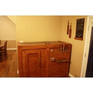 Muebles: lujoso gabinete de licor con cerradura para elegante ...