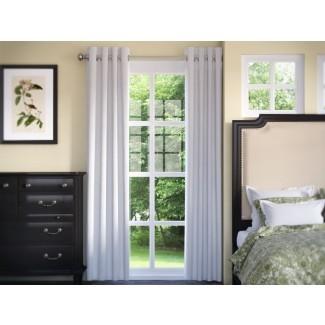 Panel de cortina individual con ojal térmico de oscurecimiento sólido Anglia