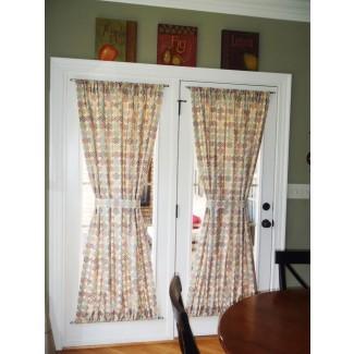 Elija el tratamiento de ventana adecuado para hacer su puerta francesa