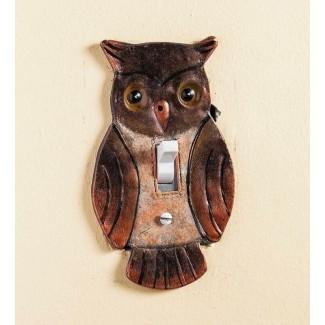 Interruptor de luz de la cubierta del búho pintado a mano