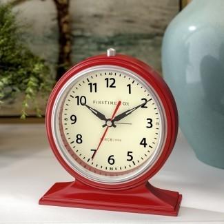 Reloj de mesa colorido despierto