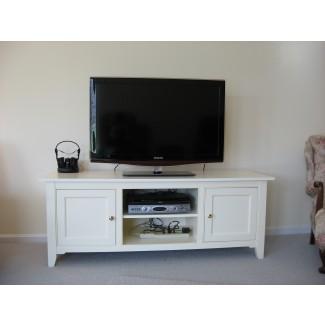 Pequeño soporte de TV de madera de roble blanco con puertas cuadradas de