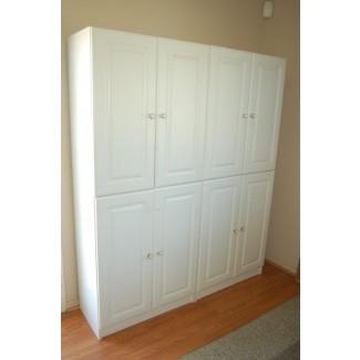 Cocina. Mueble de cocina de madera blanca con puertas ...