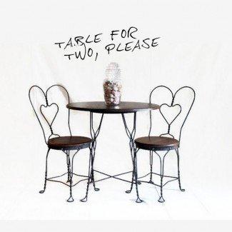 Juego de mesa y silla de heladería antiguos de CityBeepster
