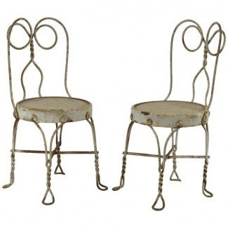 Par de sillas antiguas de heladería para niños en 1stdibs