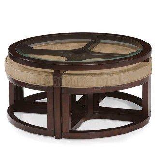 Asientos espontáneos en mesa de centro redonda con taburetes ...