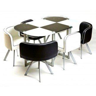 Mesa y sillas de comedor que ahorran espacio