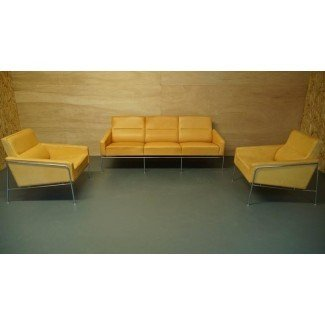 Arne Jacobsen 3300 Lounge Chair o Armchair in Tan / Natural ...