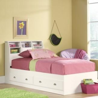 Olney Storage Platform Bed [19659010] Si tiene una habitación de tamaño limitado, debe hacer todo lo posible para maximizar el espacio. En ese sentido, esta cama puede ser tu mejor amiga. Todavía es una cama cómoda, pero tiene muchos espacios de almacenamiento y estantes que pueden contener el contenido de un armario grande. </div> </p></div> <div class=