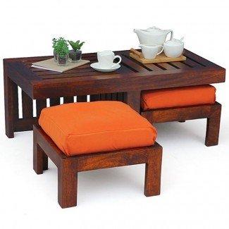 La mesa de café con taburetes invita a más amigos a pasar el rato