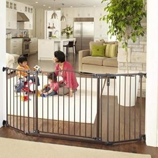 """North States 72 """"Wide Deluxe Décor Baby Gate: brinda seguridad en espacios extra anchos con funcionalidad adicional para una mano. Montaje de hardware. Se adapta a 38.3 """"-72"""" de ancho (30 """"de alto, bronce)"""