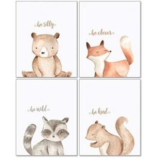 Arte de decoración de pared de Woodland Nursery - 8x10 conjunto de 4 impresiones sin marco - Forest Creatures Boy Girl Citas de acuarela Animal Art Posters - Bear Fox Raccoon Squirrel