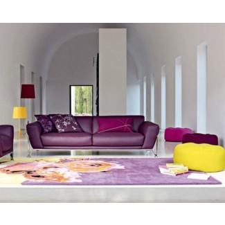 Sala de estar Diseño de sala de estar elegante con sofá morado y