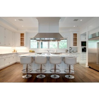 islas de cocina blancas con taburetes | Decoración del hogar