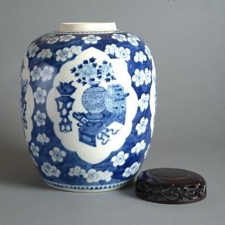 Jarrón de porcelana azul y blanco del siglo XIX - Timothy Langston
