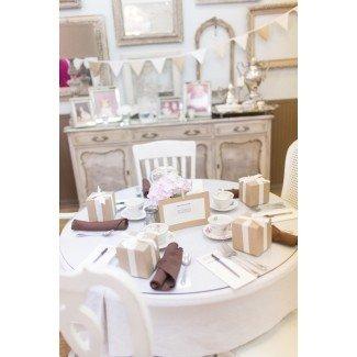 Una mesa de Baby Shower de té Shabby Chic vintage ...
