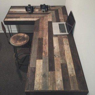 Escritorio rústico en forma de L hecho de madera recuperada por ...