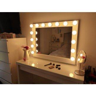 Mesa de tocador con espejo iluminado Ikea -