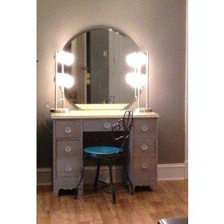 #DIYmakeupvanity. Renueve su antiguo escritorio, 2 lámparas de Wal-Mart ...