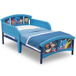 DC Super Cama de plástico con plataforma para niños pequeños