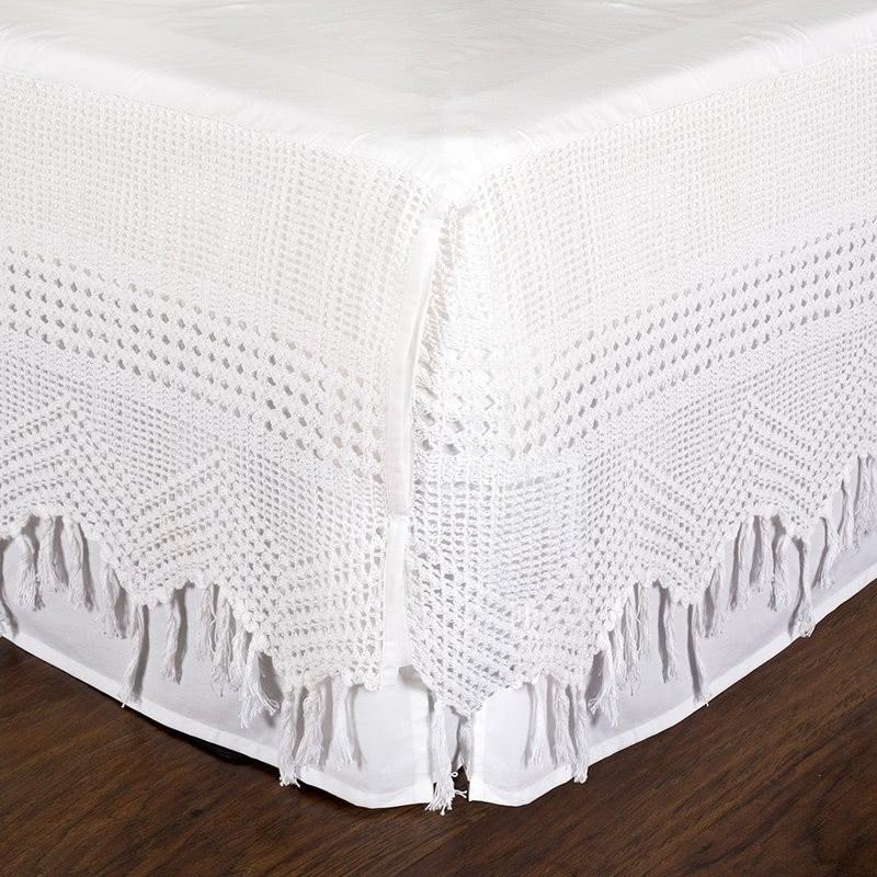 Falda de cama de ganchillo vintage