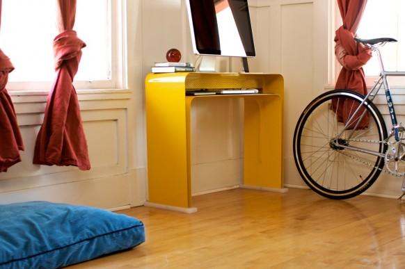 escritorio minimalista amarillo