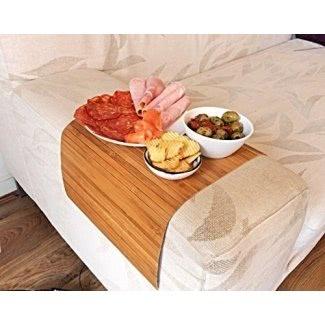 Elegante y flexible bandeja de sofá de bambú natural con acabado marrón. Bandeja de sofá. Elegante decoración del sofá. Bandeja de brazo de sofá. Mesa de sofá Sofá estera. Bandeja portatil de madera. Bandeja de café mantel individual. Idea de regalo única.