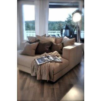 . Le ayudará a crear el rincón acogedor para relajarse y tomar una siesta. Esta silla acolchada tiene muchas almohadas y color beige de la funda. </p> </p></div> </div> <div class=