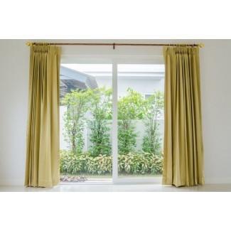 Su guía para elegir cortinas enormes para una puerta de patio