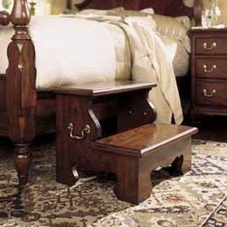 American Drew - Pasos de cama Cherry Grove - 791-481