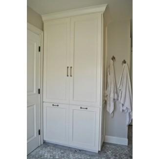 Armario de almacenamiento alto para baño con cubeta de lavandería