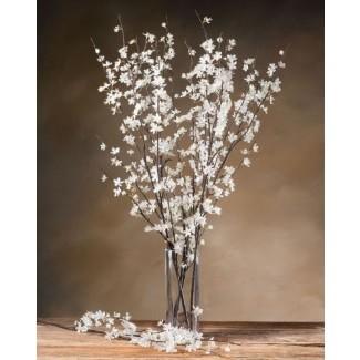 Arreglos de flores de seda en jarrones