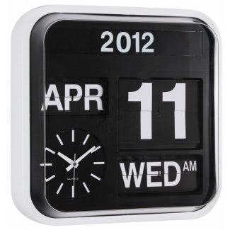 Reloj de pared con fecha de día