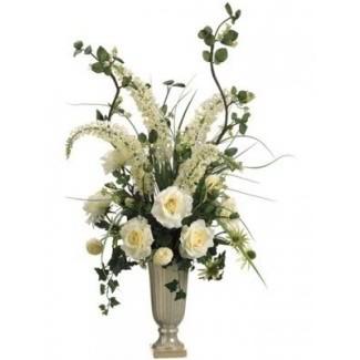 Elegantes arreglos florales de seda