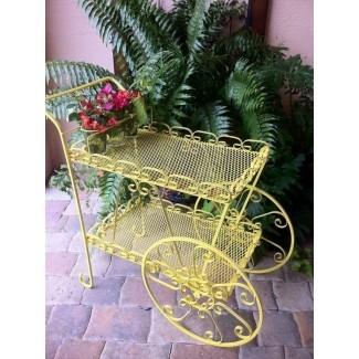 Carrito de jardín vintage soleado