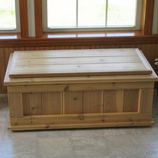 Banco de almacenamiento al aire libre de madera de cedro natural