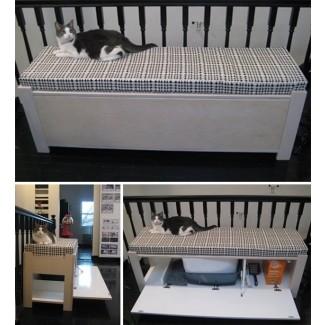 Banco con caja de arena para gatos