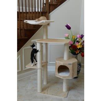 Árbol para gatos de madera maciza con cuatro niveles